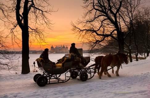 Winterliche Pferdeschlittenfahrt um das Schloss Moritzburg