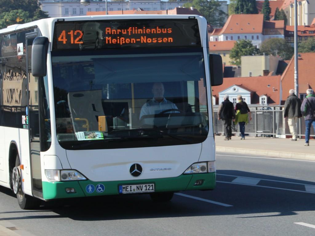Anruf-Linien-Bus