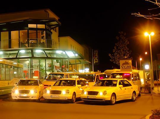 Anruf-Sammel-Taxi